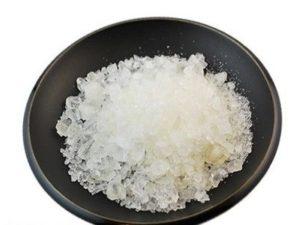 тимол кристали