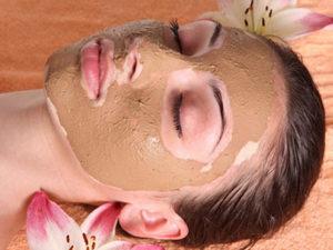 Маска з меду і кориці для обличчя