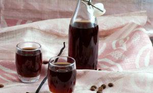 Настоянка кава, шипшина і самогон
