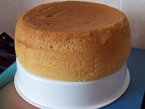 Випічка з медом в мультиварці: рецепт бісквіта