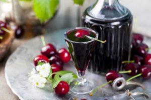 Рецепти домашньої наливки з вишнею