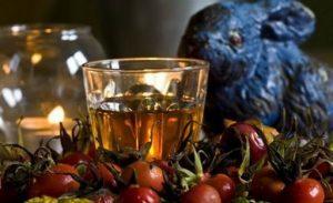 Рецепти настоянок, наливок зі спиртом, самогоном і шипшиною