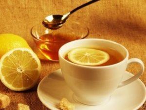 Чай з медом і з лимоном