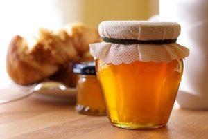 Буркуновий мед користь і шкода