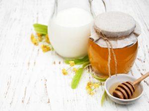 Молоко з медом для схуднення