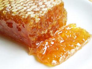 Користь і шкода меду при панкреатиті
