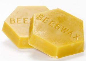 Що являє собою бджолиний віск
