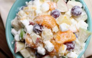 Салат «Мандариновий в медово-сметанному соусі»: рецепт